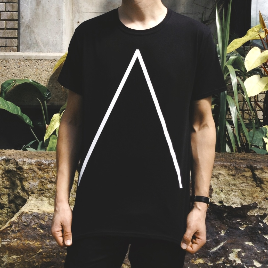 'Λ' T-Shirt [Black] - Alpines